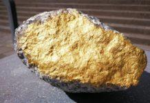 zlatý balvan